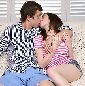 Teen Kissing Porn Pictures